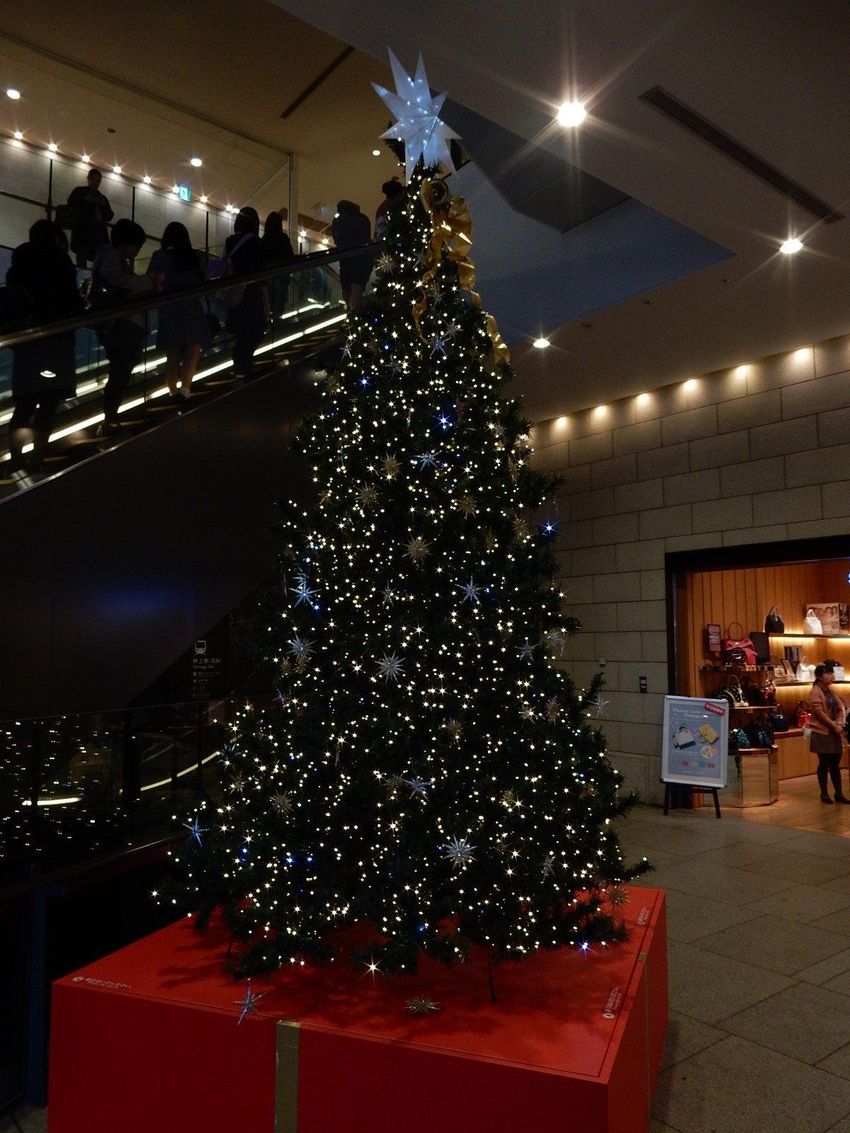ソラマチ一階のクリスマスツリー
