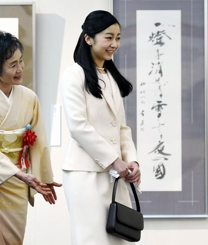 「第46回現代女流書100人展」にお成りに為られた佳子内親王殿下