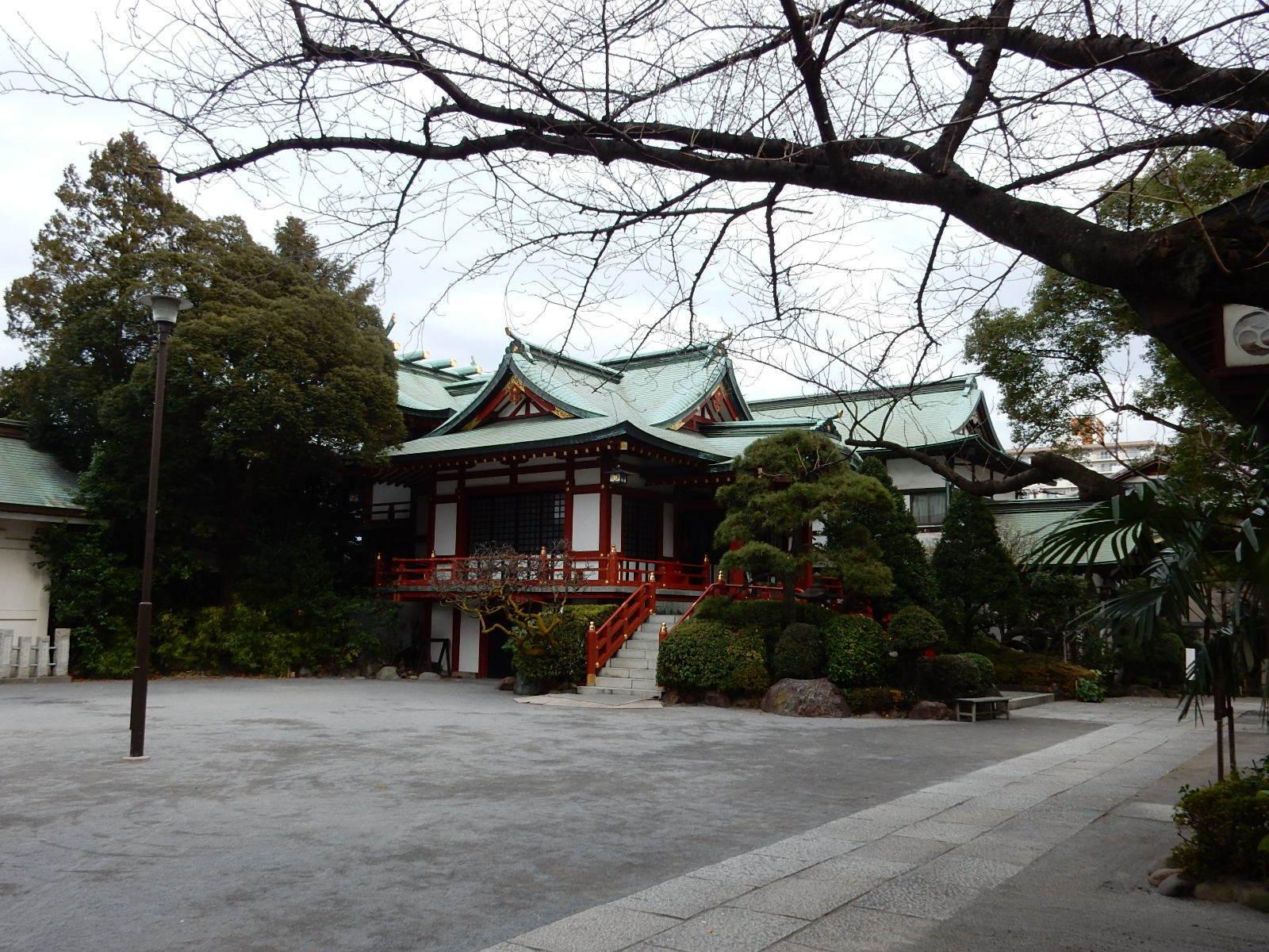 東大島神社境内