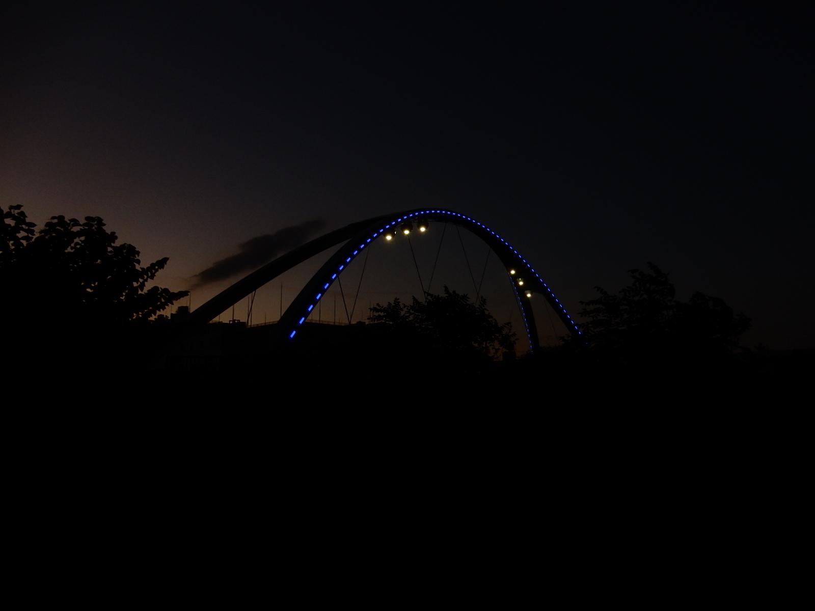 黄昏時のふれあい橋