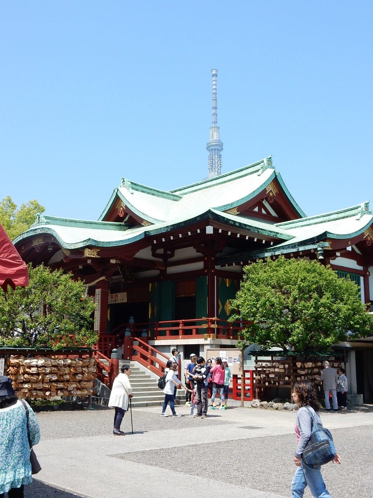 東京スカイツリーと亀戸天満宮
