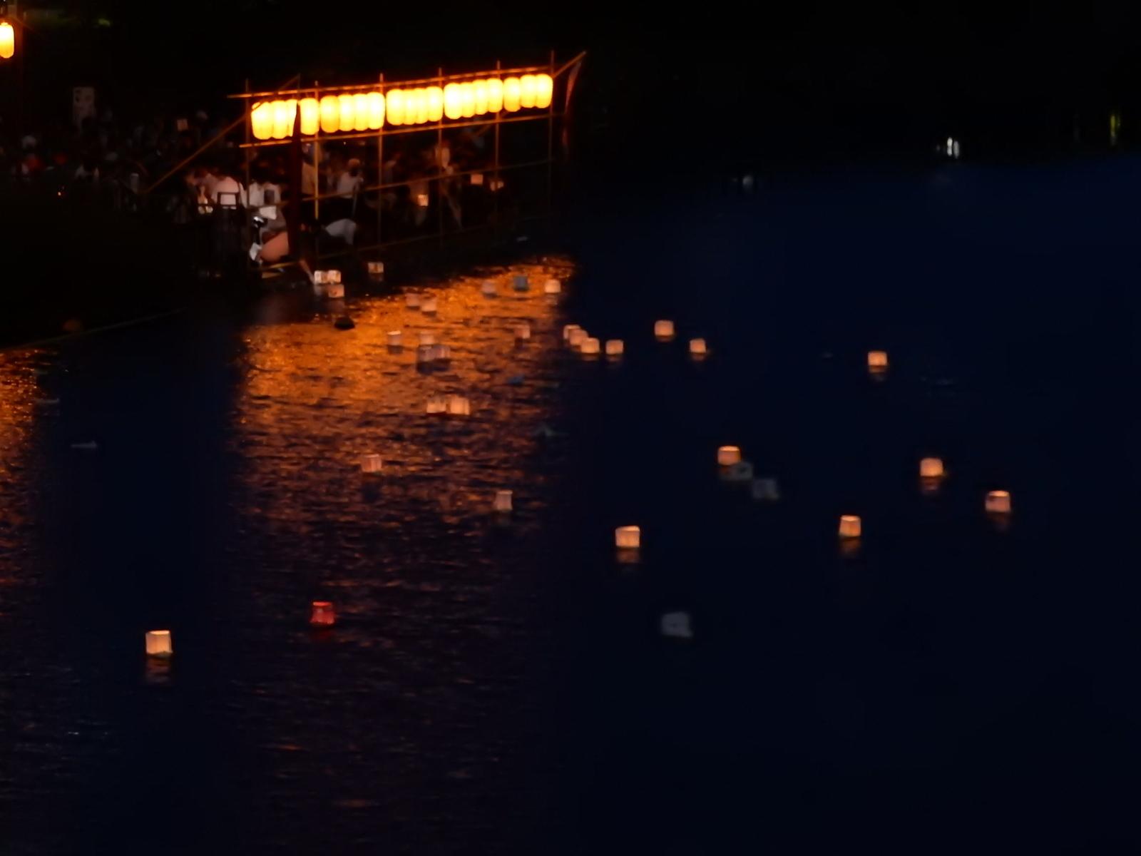 江戸川区側の灯籠流し